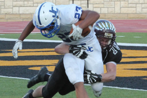 Football posts win over Junction City, 27-22
