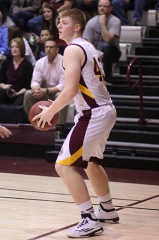 Boys basketball beat the Buffalos, 47-39