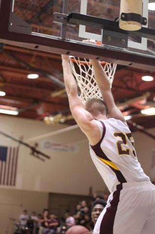 Well-fought boys basketball game results in defeat