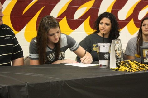 Senior Kylie Brown signs to Fort Hays
