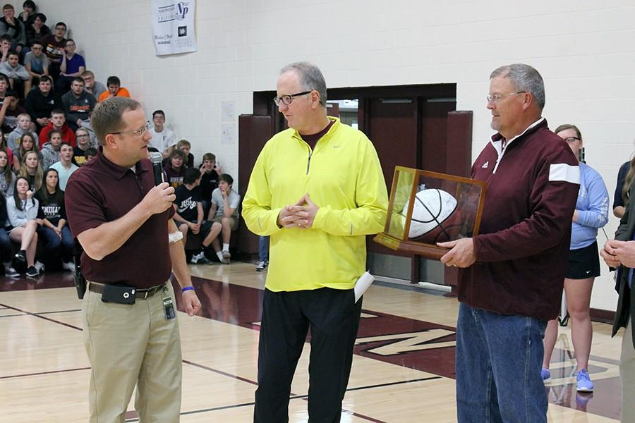 Coach Rick Keltner awarded for 500 career wins