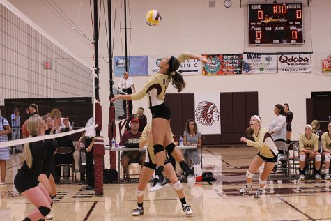 Volleyball goes 0-3 in Ulysses
