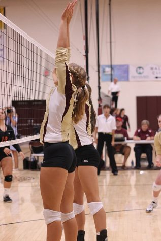 Volleyball goes 3-0 at Colby
