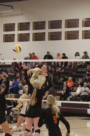 Volleyball goes 1-3 at WAC