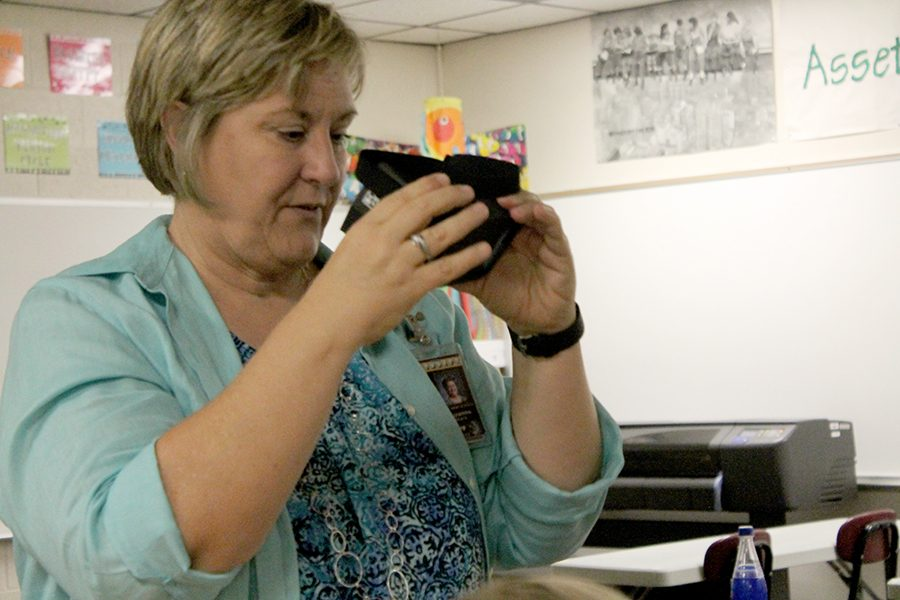 Teacher Suzanne Stark demonstrates how to use Google Cardboard