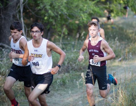 Cross Country Competes at Hesston