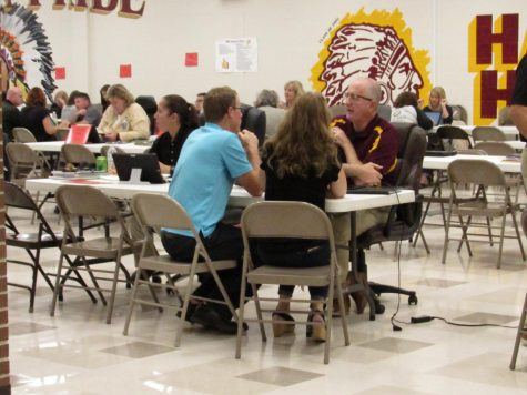 Conferences give parents time to discuss grades with teachers