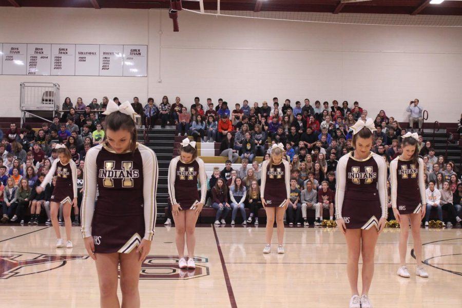 Cheerleaders+begin+their+performance.