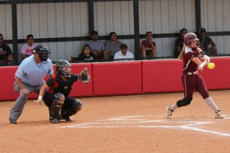 Stellar defense leads to a sweep for Indian softball on May 1