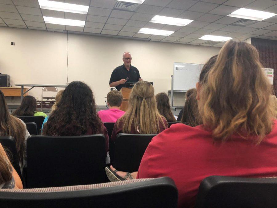 Spirit+Club+instructor+Rick+Keltner+speaks+at+the+first+Spirit+Club+meeting.
