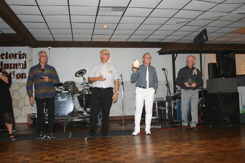 Instructor Bill Gasper and some of his band mates receive their awards at the alumni banquet on September 22.