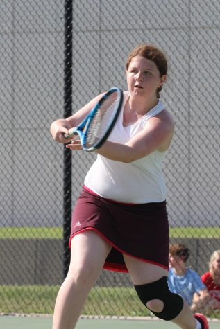 Girls tennis participates in meets throughout September