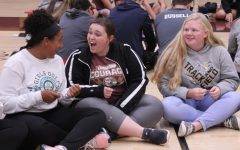 Freshmen participate in Leadership activity concerning learning styles