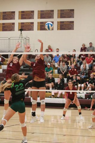3-0 finish at Colby gives volleyball 18-9 record