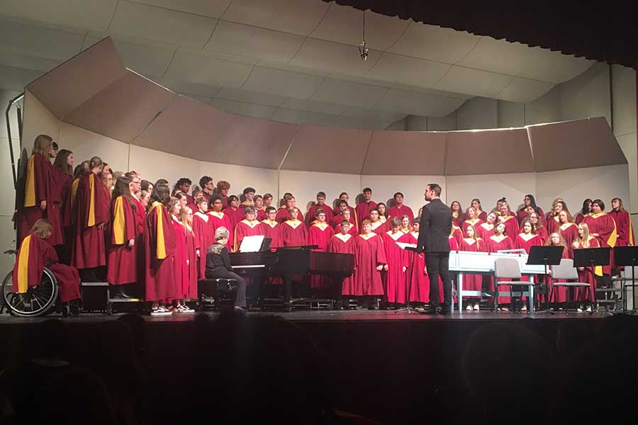 The+concert+choir+perform+selections+from+Benjamin+Britten%E2%80%99s+%22Ceremony+of+Carols%22+and+%22A+La+Nita+Nana%22+arranged+by+Sherri+Porterfield.