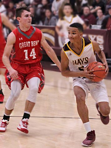 Boys basketball fall to WAC rivals, Great Bend, 76-67
