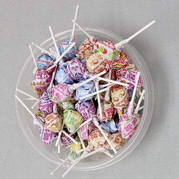 How many dumdums are in this bowl? Please submit your answer in the comment section below with a valid name and email address.