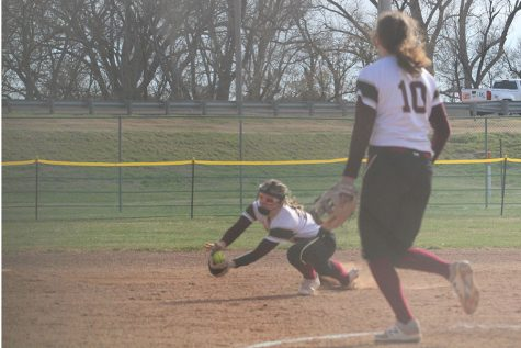 Lady Indian softball splits home game on April 4 with Dodge City