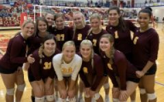 Volleyball goes 1-1 at sub-state tournament