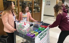 StuCo sells candy to raise funds for Holiday Help Project