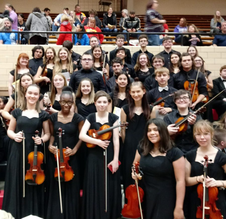 Orchestra+students+from+both+the+middle+school+and+high+school+attended+the+Western+Kansas+Orchestra+Festival+on+Nov.+22-23.