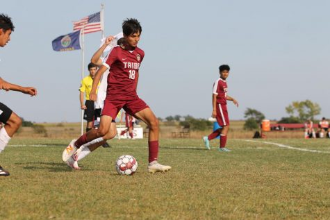 Boys soccer adds a win to their record by beating Great Bend