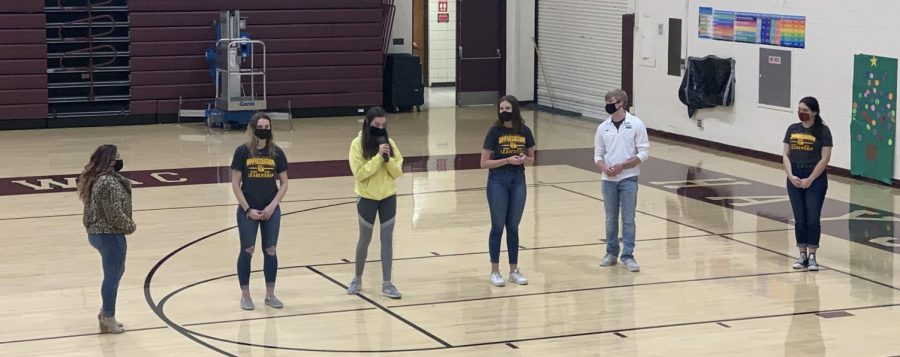 Leadership Team members answer questions during their activity with the freshmen on Dec. 9. This is the last leadership activity with the freshmen for the year.