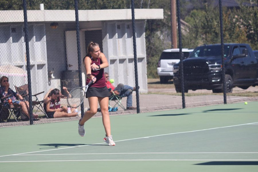 Senior+Sage+Zweifel+is+competing+in+No.+1+doubles+with+senior+Caroline+Robben.+Girls+tennis+regionals+will+be+on+Sunday%2C+Oct.+10%2C+and+the+location+is+to+be+announced.