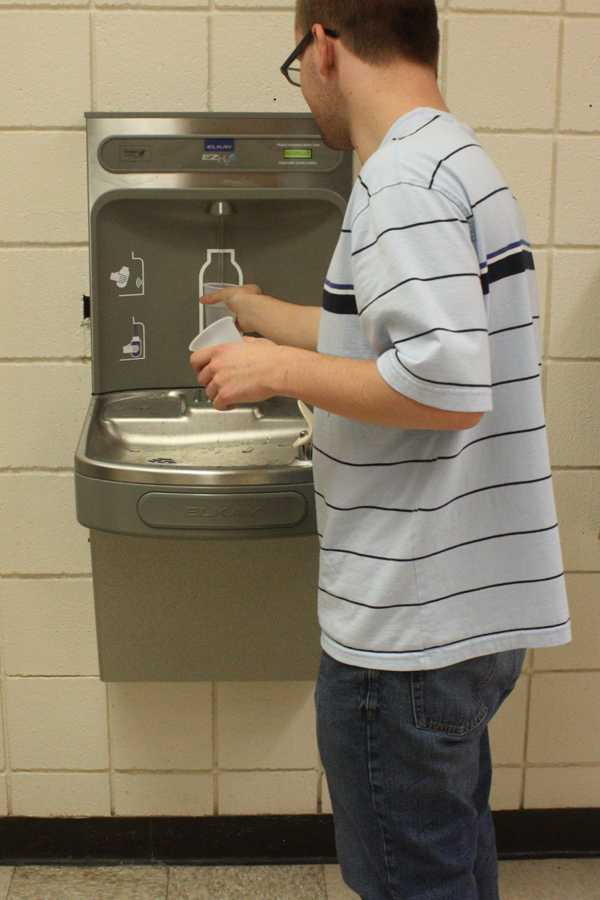 School gets new water fountain
