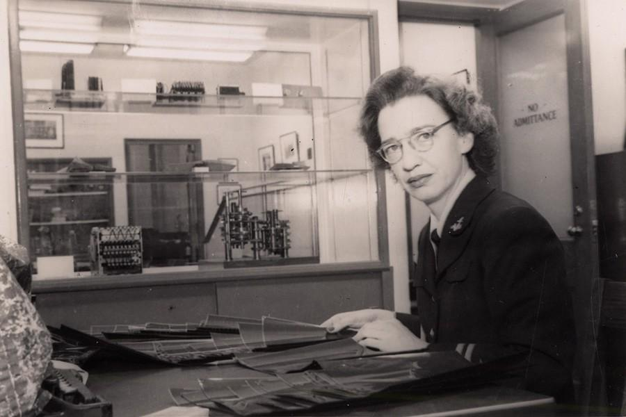 NMAH Archives Center  Grace Murray Hopper Collection 0324 Box 3 Folder 5 Photograph 74 Lt. Grace Murray Hopper sitting at her desk. 1947 [?].