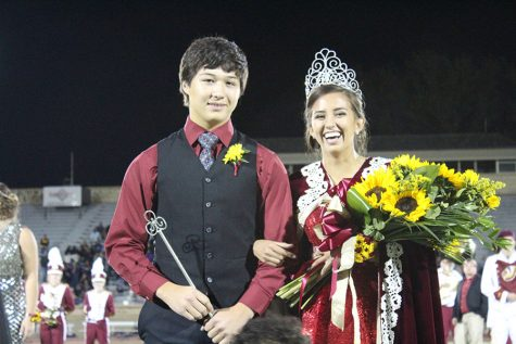 Homecoming crowning ceremony photos