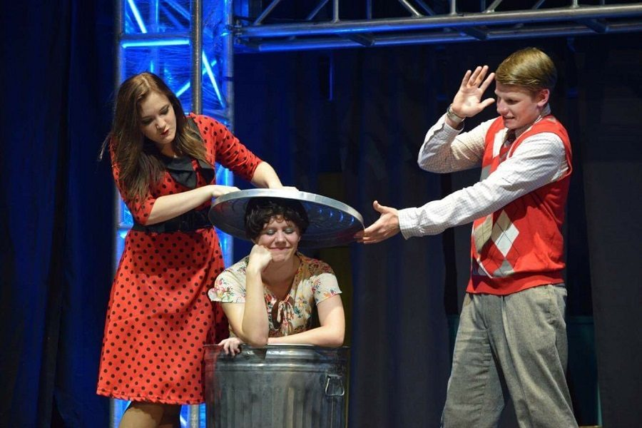 Bye Bye Birdie ends successful performances with group character photos