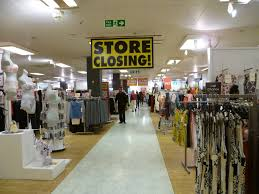Students discuss thoughts on major retailers closing