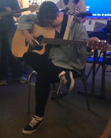 Guitar Club expands in size as its third year begins