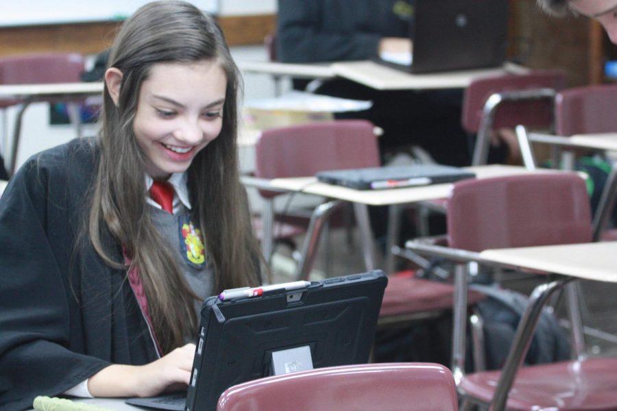 Freshman+Alicia++Feyerherm+participates+in+Harry+Potter+world+Wednesday+