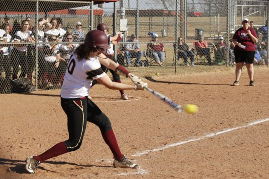 Junior+pitcher+Jaysa+Wichers+hitting+the+ball+at+home+vs+Goodland.