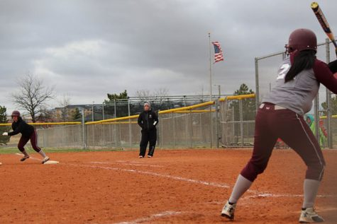 Lady Indians softball take losses at Garden City