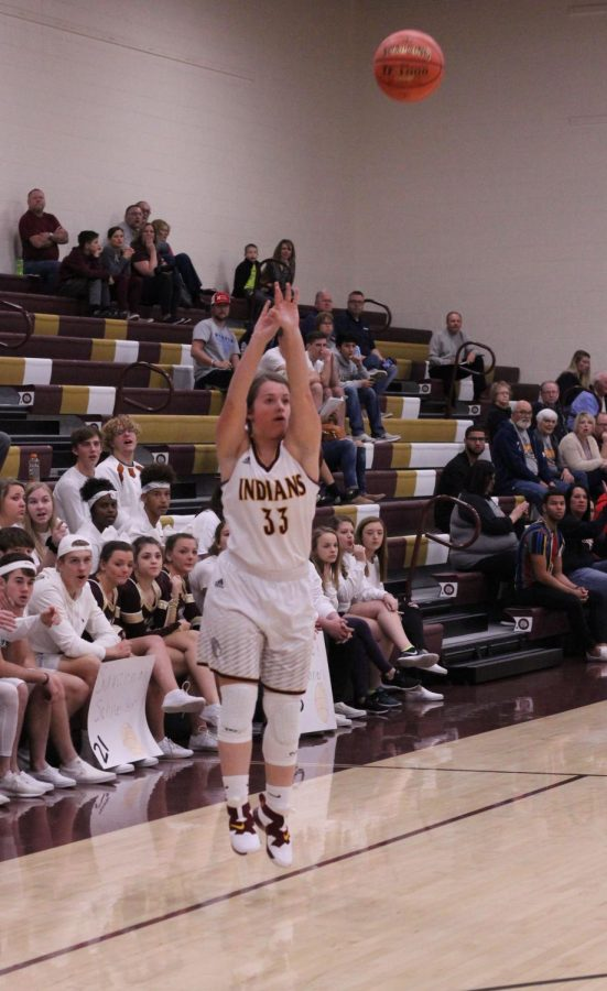 Junior+Brooke+Denning+shoots+a+basketball+during+a+Hays+City+Shootout+game+against+Great+Bend.+The+Lady+Indians+beat+the+Panthers+64-41+at+away+game+on+Jan.+8.