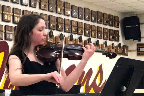 Senior Alex Hagerman plays her contest solo,