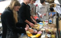 German I students experience a continental breakfast