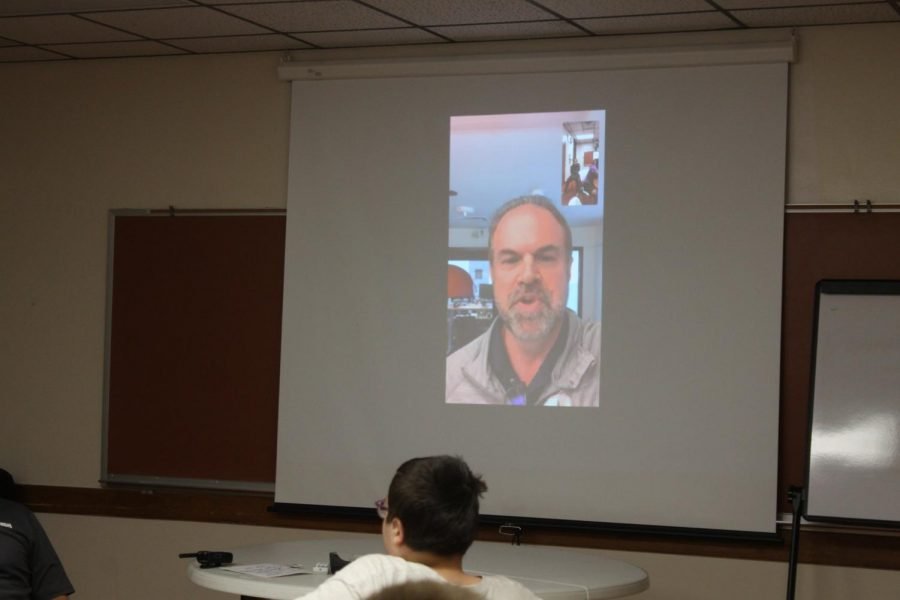 Career+speaker+Dale+Wentmore+spoke+to+students+over+FaceTime+from+his+office+in+Denver.