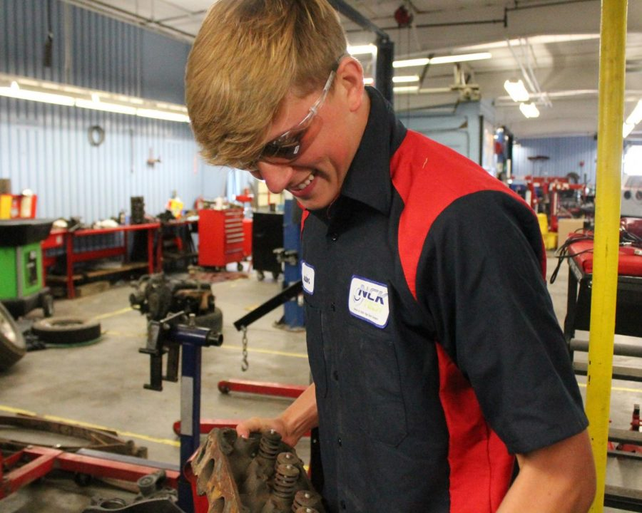 Senior Landon Summers takes advantage of the NCK Tech program offered.