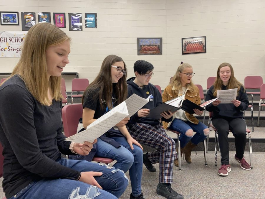 Chamber Singers 'spread the love' in Valentine's Day Cabaret