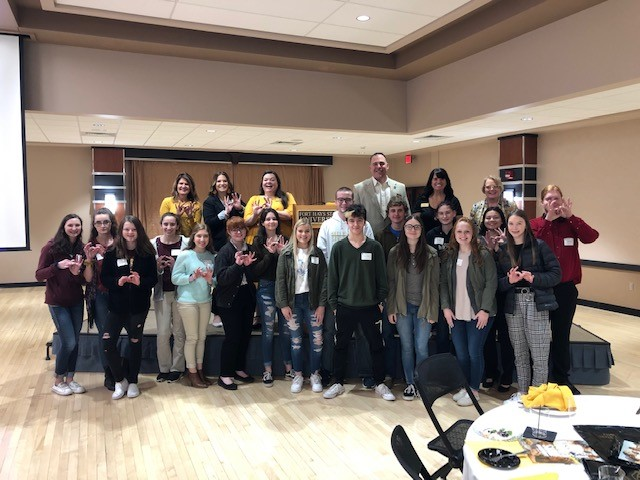 Students+pose+for+a+picture+at+Fort+Hays+State+University+Future+Educator%27s+Day.+Seventeen+students+from+Hays+High+attended+the+event.