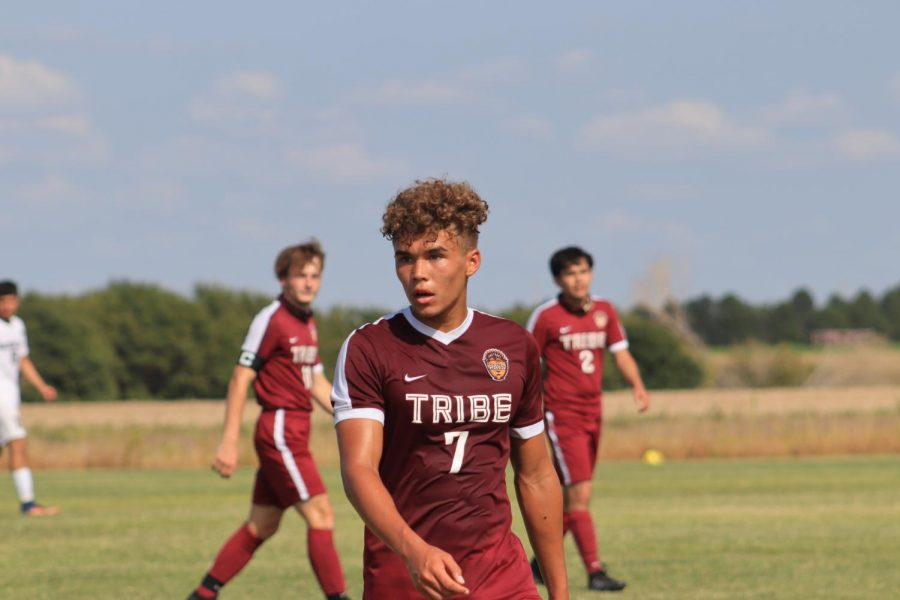 Boys soccer goes 2-1 during the week of Sept. 8- Sept. 12