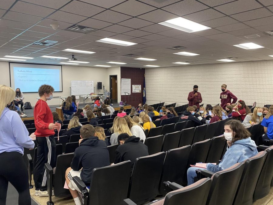 Hays High StuCo holds meeting on Oct. 22