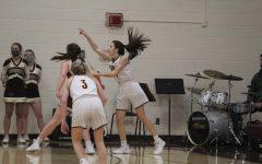 Girls basketball falls to Garden City Buffaloes at home