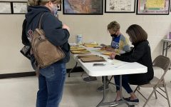 Hays High hosts second COVID-19 clinic